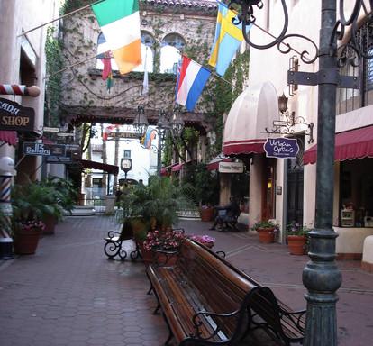 Santa Barbara State Street La Arcada
